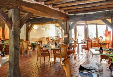 auberge-du-cheval-blanc-2504-restaurant-2-@ChateauxetHotelsCollection